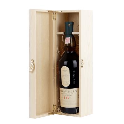 Lagavulin 16 Year Old Scotch Whisky Gift set